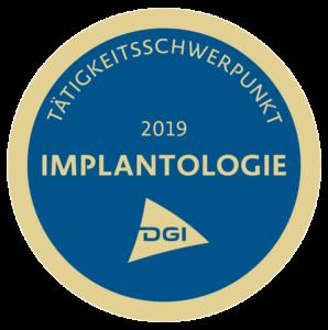 Siegel für Tätigkeitsschwerpunkt Implantologie für den Zahnarzt in Berlin-Spandau