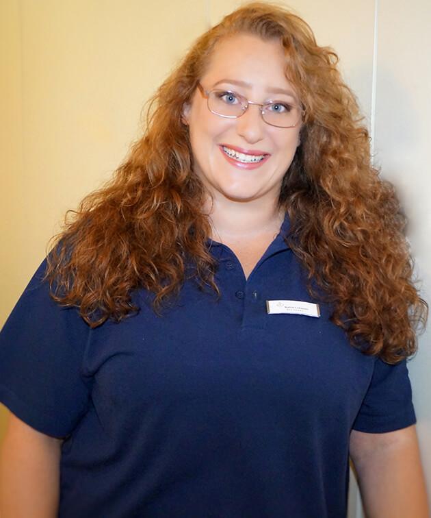 Katrin Lehmann ist Mitarbeiterin der Zahnarztpraxis Kurth & Partner in Berlin-Spandau.