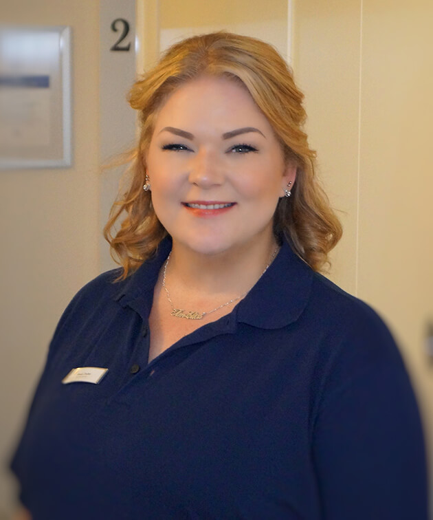 Jennifer Tischer ist Mitarbeiterin der Zahnarztpraxis Kurth & Partner in Berlin-Spandau.