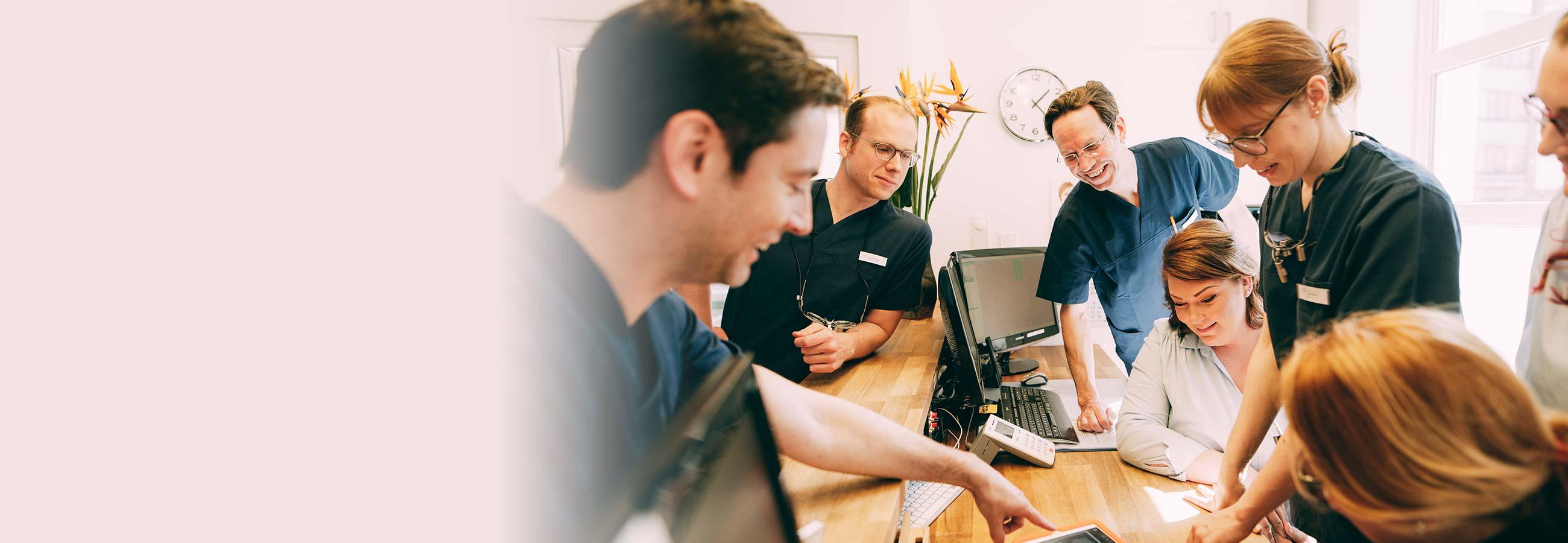 Das Team der Zahnärzte Dr. Kurth & Partner, Berlin-Spandau.