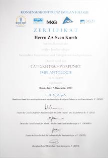 Dr. Sven Kurth hat sich auf die Implantologie in Berlin-Spandau spezialisiert.