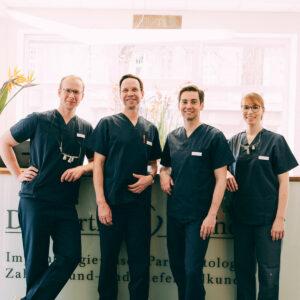 Das Team der Zahnärzte Dr. Kurth & Partner aus Berlin-Spandau.