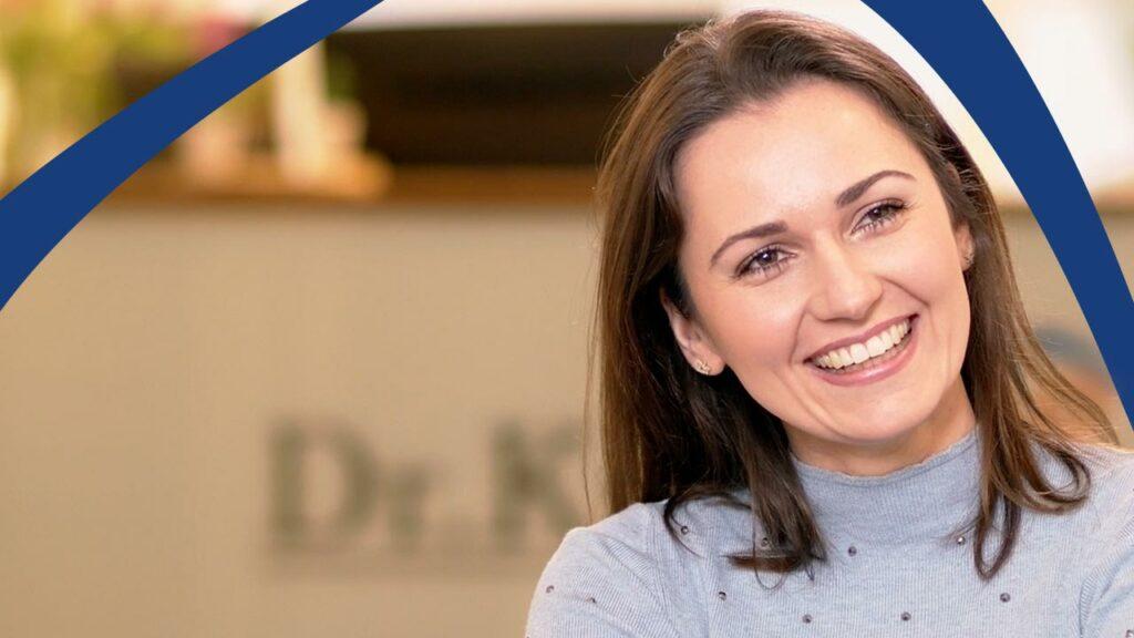 Patientin erklärt, wie Zahnästhetik aus Berlin-Spandau ihr Leben verändert hat.