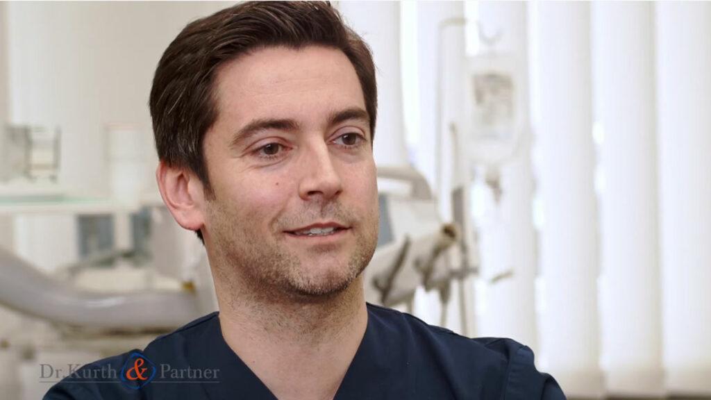 Dr. Jörn Kröger erklärt, wie Zahnimplantate aus Berlin-Spandau natürliche Zähne optimal ersetzen.